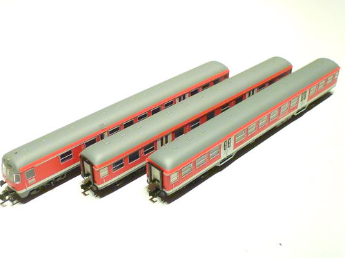 Minitrix 15306 DB AG Regional-Express-Set red