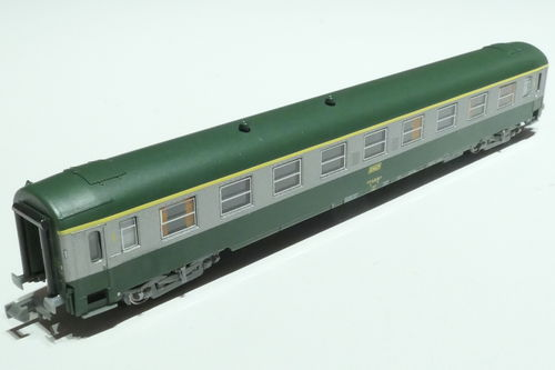 REE Models NW-152 SNCF 1st class passenger car