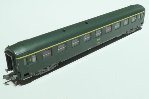 REE Models NW-139 SNCF 1st class passenger car